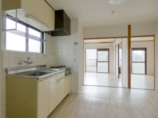 D-_●web掲載写真_rent_●モナドマンション-201号室後楽オープン_前_P1940427